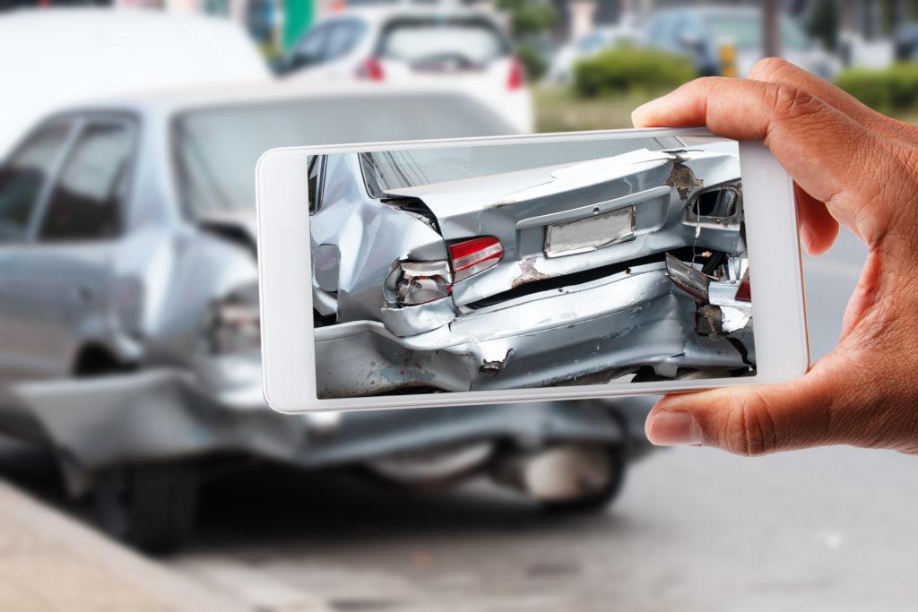 accidente de vehículo estacionado